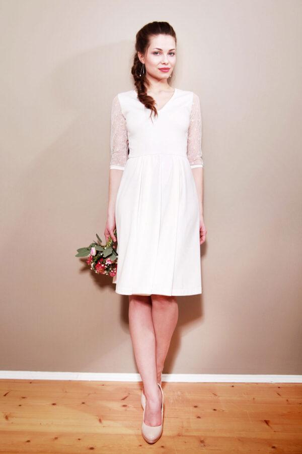 Brautkleid Liliana mit V-Ausschnitt cremeweiß