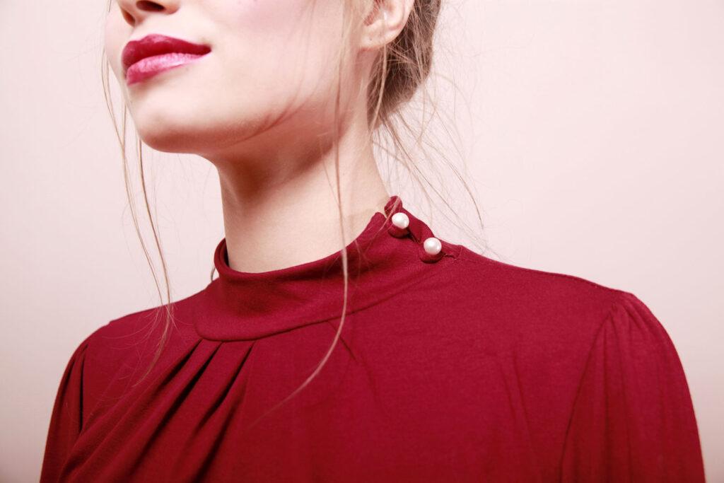 Elegantes Jerseykleid Anais mit Stehkragen bordeaux